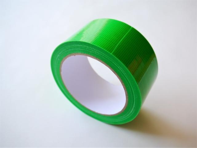 緑のテープ