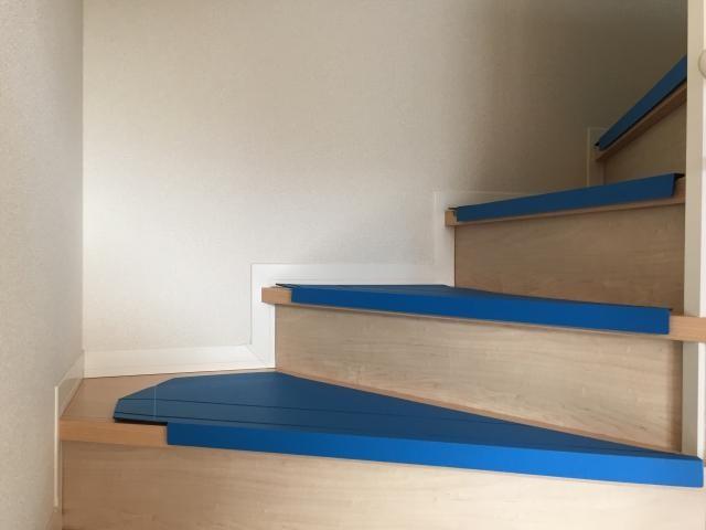 養生されている階段