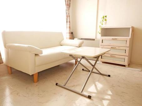ソファや机などの家具